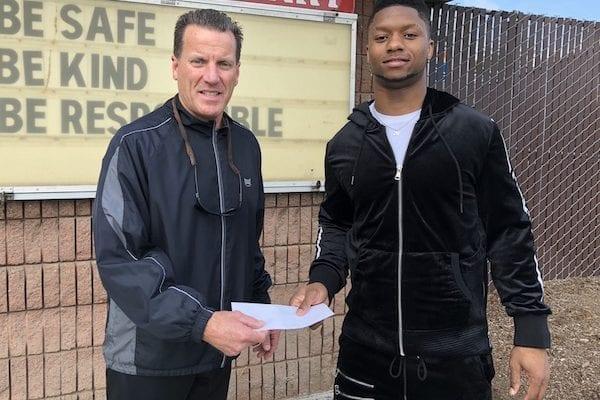 Cincinnati Bengals' Joe Mixon is Giving Back