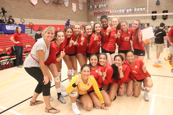 St. Francis Volleyball Sweeps Christian Brothers in Holy Court Matchup