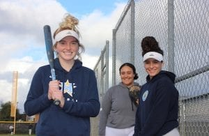 Heritage Softball, Morgan Hess, Xiara Diaz, Delia Scott